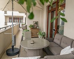 Elegancki balkon - zdjęcie od Miejskie Ziele