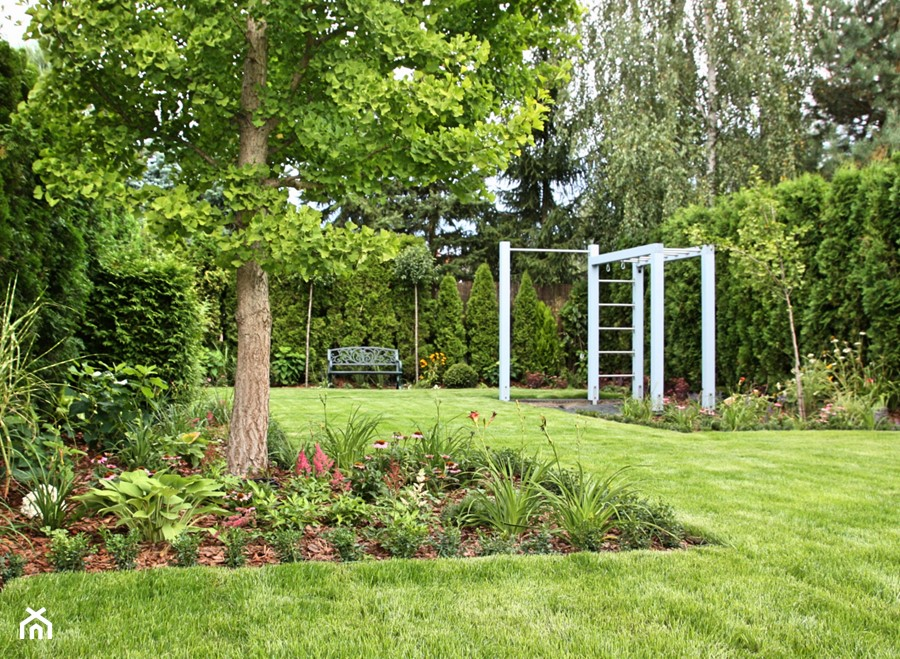 Ogród z miejscem na fitness - zdjęcie od Miejskie Ziele
