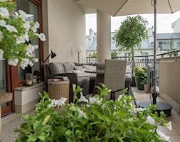 Elegancki+balkon+-+zdj%C4%99cie+od+Miejskie+Ziele