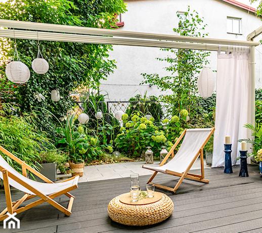 Leżak grawitacyjny – co to jest i jaki wybrać do ogrodu, na taras i balkon?