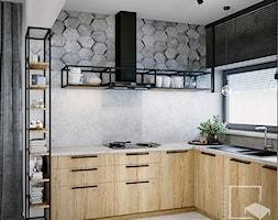 Nad Świdrem - Średnia otwarta szara kuchnia w kształcie litery l z oknem, styl industrialny - zdjęcie od 4 kąty a stół 5