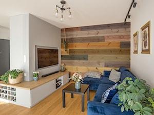Mieszkanie Poznań - Realizacja - Mały szary biały salon, styl eklektyczny - zdjęcie od ememstudio