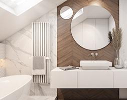 Dom Łaziska - Średnia biała szara łazienka na poddaszu w domu jednorodzinnym bez okna, styl nowoczesny - zdjęcie od FOORMA Pracownia Architektury Wnętrz