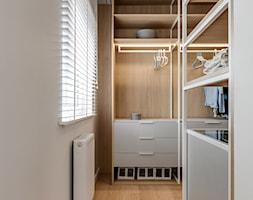 Mieszkanie w Sosnowcu - Garderoba, styl nowoczesny - zdjęcie od FOORMA Pracownia Architektury Wnętrz - Homebook