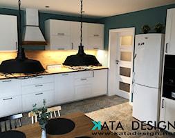 Dom w Krakowie 98 m2 - Duża zamknięta niebieska kuchnia jednorzędowa, styl rustykalny - zdjęcie od katadesign