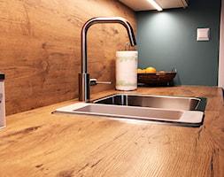 Dom w Krakowie 98 m2 - Mała zamknięta czarna kuchnia jednorzędowa, styl rustykalny - zdjęcie od Studio 4 Design