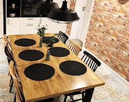 Dom w Krakowie 98 m2 - Duża otwarta beżowa jadalnia w kuchni, styl rustykalny - zdjęcie od katadesign