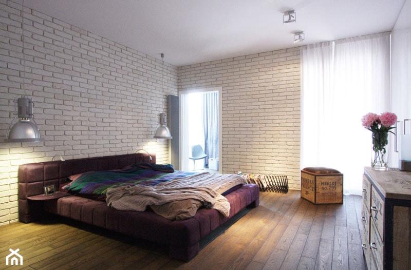 Średnia biała sypialnia małżeńska z balkonem / tarasem, styl nowoczesny - zdjęcie od Soma Architekci