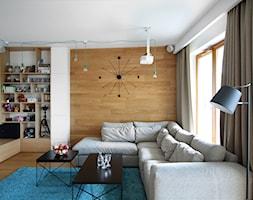 Wola - Mały biały salon, styl nowoczesny - zdjęcie od Soma Architekci - Homebook