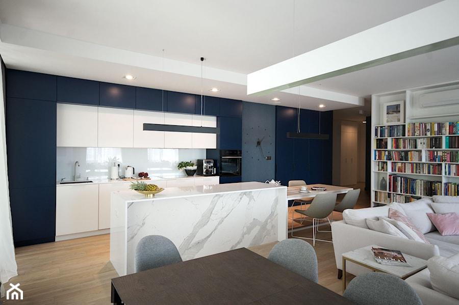 Apartament Na Wilanowie Srednia Biala Niebieska Kuchnia