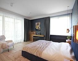 Apartament na Wilanowie. - Średnia biała czarna sypialnia małżeńska, styl nowoczesny - zdjęcie od Soma Architekci - Homebook