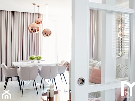 Aranżacje wnętrz - Jadalnia: Realizacja mieszkania w pastelowych kolorach w stylu glamour - Jadalnia, styl glamour - Mart-Design Architektura Wnętrz. Przeglądaj, dodawaj i zapisuj najlepsze zdjęcia, pomysły i inspiracje designerskie. W bazie mamy już prawie milion fotografii!