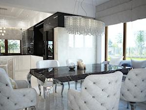 Dom koło Ostrołęki w stylu GLAMOUR - Średnia otwarta biała jadalnia w kuchni, styl glamour - zdjęcie od Mart-Design Architektura Wnętrz