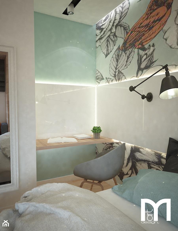 Projekt domu jednorodzinnego z pastelowymi kolorami - Mała biała miętowa sypialnia, styl nowoczesny - zdjęcie od Mart-Design Architektura Wnętrz