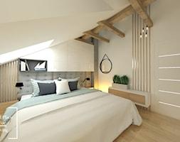 Przytulny industrial - Średnia biała szara sypialnia małżeńska na poddaszu, styl industrialny - zdjęcie od Good Place For Living