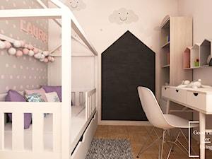 Pokój uczennicy - Mały szary różowy pokój dziecka dla dziewczynki dla ucznia dla malucha dla nastolatka - zdjęcie od Good Place For Living
