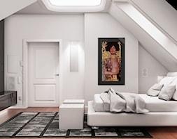 Przebudowa wnętrz willi w stylu glamour - Duża biała szara sypialnia małżeńska na poddaszu, styl glamour - zdjęcie od KJ Architekci
