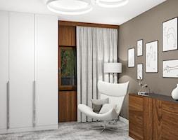 Projekt wnętrz małego domu jednorodzinnego - Duża zamknięta garderoba z oknem oddzielne pomieszczenie, styl nowoczesny - zdjęcie od KJ Architekci
