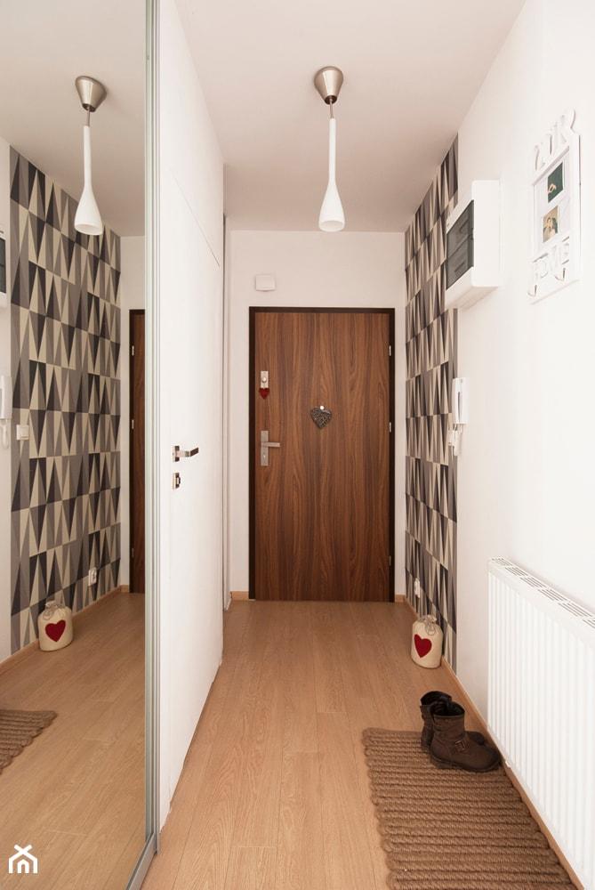 Mieszkanie dla młodych - Hol / przedpokój, styl nowoczesny - zdjęcie od Za murami za dachami - Homebook