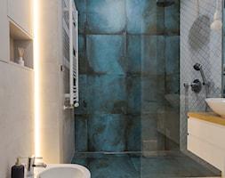 Apartament M&P - Średnia biała łazienka w bloku w domu jednorodzinnym bez okna, styl nowoczesny - zdjęcie od Kraupe Studio - Homebook