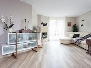 Dom pod Poznaniem - Średni szary salon, styl tradycyjny - zdjęcie od Kraupe Studio