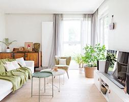 Apartament M&P - Mały szary salon, styl eklektyczny - zdjęcie od Kraupe Studio