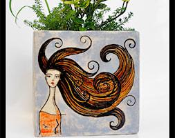 Osłonka na doniczkę 14cm - wiatr we włosach - zdjęcie od hypnotic - Homebook