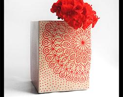 Wazon lub osłonka 14x18cm - czerwona mandala - zdjęcie od hypnotic - Homebook