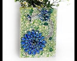 Wazon trójboczny - niebieski geometryczny kwiat - zdjęcie od hypnotic - Homebook