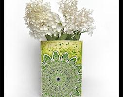 Wazon trójboczny - zielony wzór - zdjęcie od hypnotic - Homebook