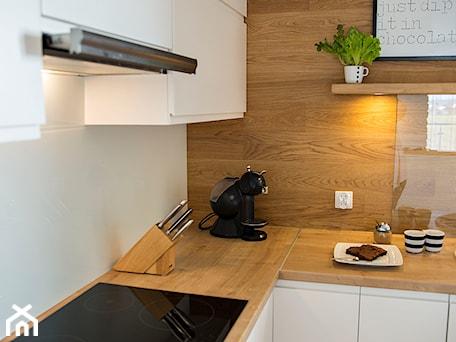 Aranżacje wnętrz - Kuchnia: Mieszkanie Wiczlino - Konkurs - Studio LOKO. Przeglądaj, dodawaj i zapisuj najlepsze zdjęcia, pomysły i inspiracje designerskie. W bazie mamy już prawie milion fotografii!