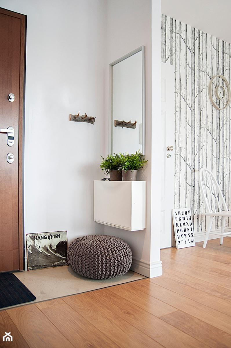 Gdańsk Garnizon - Mały biały hol / przedpokój, styl skandynawski - zdjęcie od Studio LOKO