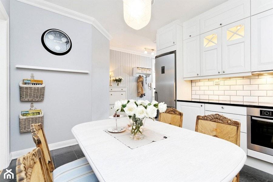 Mieszkanie w Kamienicy  Kuchnia, styl skandynawski  zdjęcie od STUDIOLOKO -> Kuchnia Z Jadalnią Styl Skandynawski