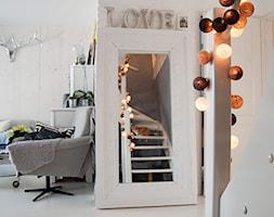 Gdynia Miła - Średni biały hol / przedpokój, styl skandynawski - zdjęcie od Studio LOKO
