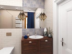 Projekt wnętrza domu pod Warszawą, styl klasyczny - Średnia szara łazienka na poddaszu w bloku w domu jednorodzinnym bez okna, styl rustykalny - zdjęcie od FUTURUM ARCHITECTURE