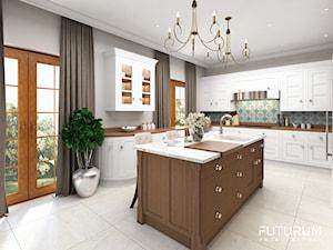 Projekt wnętrza domu pod Warszawą, styl klasyczny - Duża otwarta biała szara niebieska kuchnia w kształcie litery l w aneksie z wyspą z oknem, styl rustykalny - zdjęcie od FUTURUM ARCHITECTURE