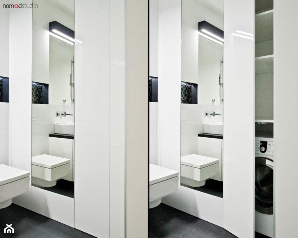 czarno - biała kawalerka - Łazienka, styl minimalistyczny - zdjęcie od nomad studio - Homebook