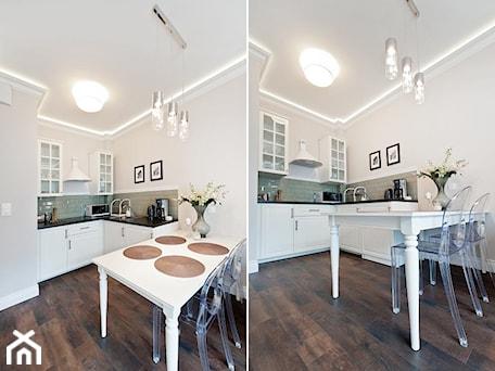 Aranżacje wnętrz - Kuchnia: Apartament Novum - Średnia otwarta biała szara kuchnia w kształcie litery l w aneksie, styl klasycz ... - AgiDesign. Przeglądaj, dodawaj i zapisuj najlepsze zdjęcia, pomysły i inspiracje designerskie. W bazie mamy już prawie milion fotografii!
