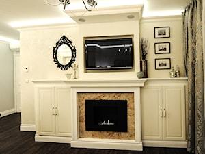 Apartament na Kazimierzu - Mały biały salon, styl klasyczny - zdjęcie od AgiDesign