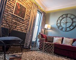 Apartament z widokiem na Wawel - Mały czarny salon, styl glamour - zdjęcie od AgiDesign