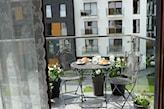 stolik żeliwny składany na balkon