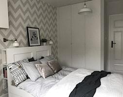 Metamorfoza mieszkania 44 m2 - Bamberski Dwór - Sypialnia, styl nowoczesny - zdjęcie od Architektownia