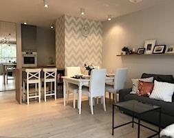 Metamorfoza mieszkania 44 m2 - Bamberski Dwór - Salon, styl nowoczesny - zdjęcie od Architektownia
