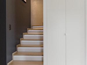 Projekt domu w okolicach Poznania ok. 120 m2 - Schody, styl nowoczesny - zdjęcie od Architektownia