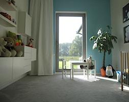 Dla królewicza II - Średni szary niebieski pokój dziecka dla chłopca dla dziewczynki dla malucha, styl nowoczesny - zdjęcie od ArtEfekt