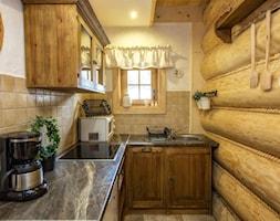 Kuchnia drewniana z góralskimi akcentami Domek Otulina Zakopane - zdjęcie od Natalia Obrochta