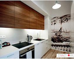 Mała biała kolorowa kuchnia jednorzędowa w aneksie, styl nowoczesny - zdjęcie od Borowczyk Architekci