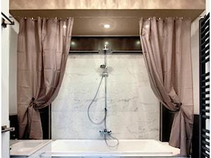 LOFT z wieżą 02 - Średnia biała szara łazienka, styl klasyczny - zdjęcie od Borowczyk Architekci