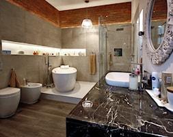 mieszkanie w kamienicy - Średnia beżowa łazienka bez okna - zdjęcie od Borowczyk Architekci