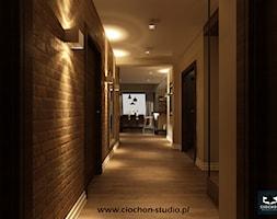 Dom IV koncepcja projektowa - Duży brązowy hol / przedpokój, styl nowoczesny - zdjęcie od Ciochoń-Studio